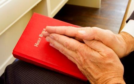 The-Surprising-Benefits-of-Praying-Alone.jpg